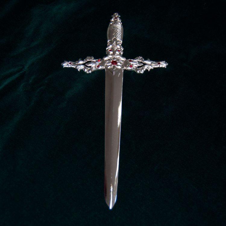 Puñal de la Dolorosa del Trono del Santísimo Cristo del Perdón en Cromo